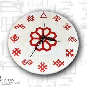Koka pulkstenis ar Latvju zīmēm
